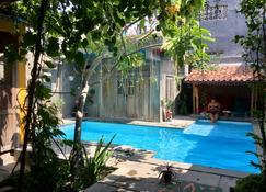 Nextdoor Homestay - Yogyakarta - Piscine