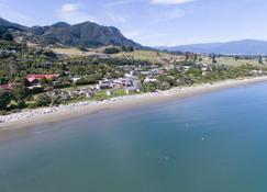 Pohara Beach Top 10 Holiday Park - Takaka - Strand