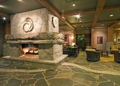 First Tracks Lodge - Whistler - Lobby