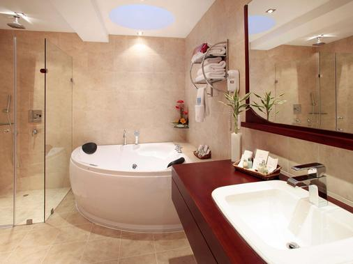 Mercure Alameda Quito - Quito - Bathroom