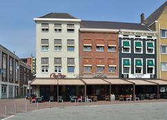 Hotel Roermond Next Door - Roermond - Building