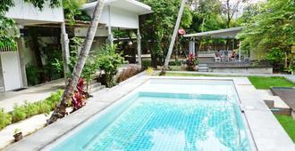 Glur旅館 - 喀比 - 奧南海灘 - 游泳池