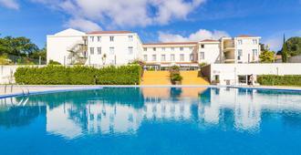 Golden Tulip Braga Hotel & Spa - Braga - Pool