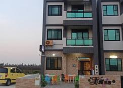 Beautiful Homestay - Huxi - Building
