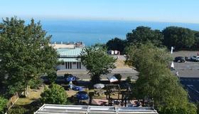 The Portland Hotel - Folkestone - Outdoor view