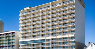 Comfort Suites Beachfront - Virginia Beach - Building