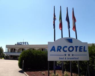 Arcotel - Terruggia - Building