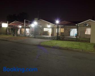 Agros Guest House - Kimberley - Edificio