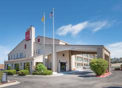 Ramada by Wyndham Albuquerque Airport - Alburquerque - Edificio