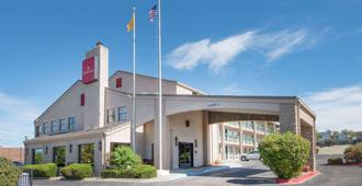 Ramada by Wyndham Albuquerque Airport - Alburquerque - Edificio