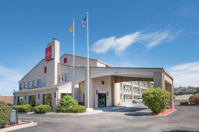 Ramada by Wyndham Albuquerque Airport - Αλμπουκέρκι - Κτίριο