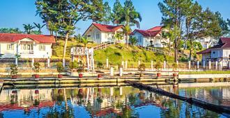 Marbella Twin Waterfall Resort Ciater - Ciater - Vista del exterior