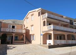 Apartments Tanja & Josipa - Pag - Building