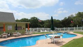 奧斯汀孤星房車渡假村 - 奧斯汀 - 游泳池