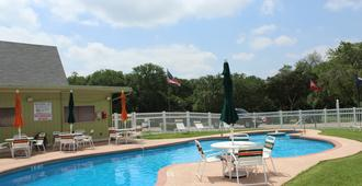 Austin Lone Star Rv Resort - Austin - Piscina