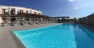 Adonis Aix-en-Provence - Éguilles - Pool