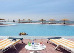 Swiss Inn Resort El Arish - Alarixe - Piscina