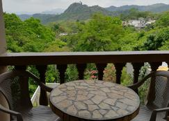 Hotel La Escalinata - Copán - Extérieur