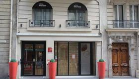 Hôtel Westside Arc de Triomphe - Paris - Building