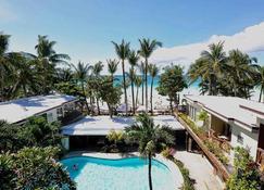 Red Coconut Beach Hotel - Boracay - Rakennus