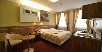 Hotel Vaka - Brno - Bedroom