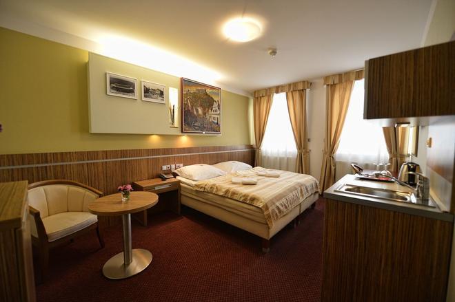Hotel Vaka - Brno - Habitación