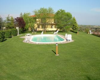 Agriturismo Bella Cima - Montefiascone - Zwembad