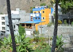 Chez Hujo - Pontinha da Janela
