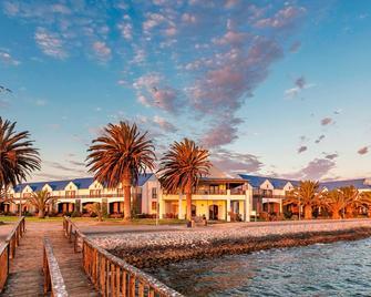 Protea Hotel by Marriott Walvis Bay Pelican Bay - Валвіс-Бей - Building