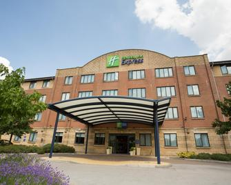 Holiday Inn Express Liverpool - Knowsley M57,jct.4 - Prescot - Building
