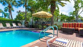 Tropical Beach Resorts - Sarasota - Piscina