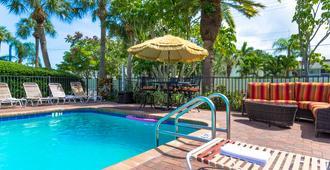 Tropical Beach Resorts - סראסוטה - בריכה
