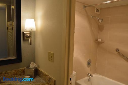 Delux Inn Tulsa - Tulsa - Bathroom