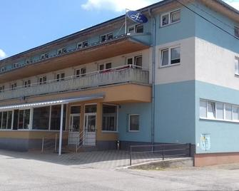 Penzion Anton - Жиліна - Building
