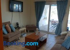 Ikaria village-ground floor No 4 - Khloraka - Living room