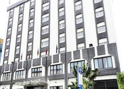 Hotel Franco - Jaunde - Budynek