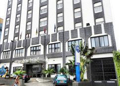 Hotel Franco - Yaundé - Edificio