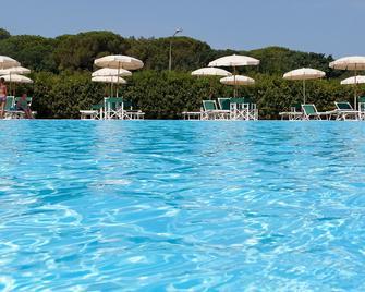 Residence Santa Costanza - San Vincenzo - Pool
