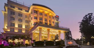 Ramada Plaza by Wyndham Chandigarh Zirakpur - Zerakpur