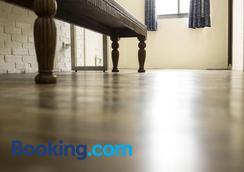 Home & Teak Residence - Jinhu - Bedroom