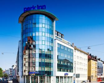 Park Inn by Radisson Nurnberg, Germany - Nuremberga - Edifício