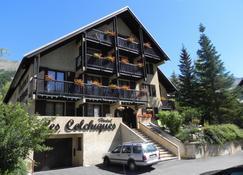 Hôtel Résidence Les Colchiques - Le Monêtier-les-Bains - Edificio