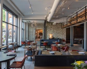 Lora - Stillwater - Restaurant