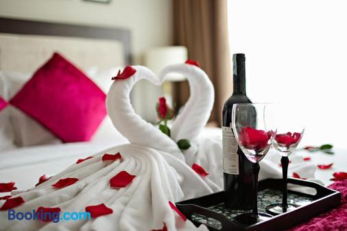 Golden Moon Suite Hotel - Hanoi - Bedroom