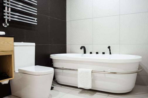 M1 club hotel - Οδησσός - Μπάνιο