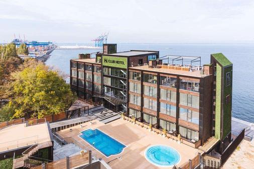 M1 club hotel - Οδησσός - Κτίριο