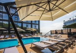 M1 club hotel - Οδησσός - Πισίνα