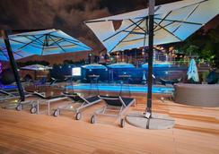 M1 club hotel - Odesa - Pool