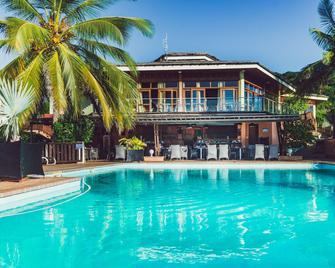 Hotel Sakouli - Bandrélé - Pool
