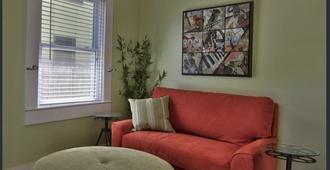 Enchanting Mckinley Park House - Sacramento - Wohnzimmer
